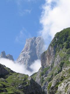 Naranjo de Bulnes (Asturias) by Susana Cabeza
