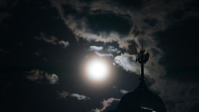 Bulan Purnama Sepertiga Malam