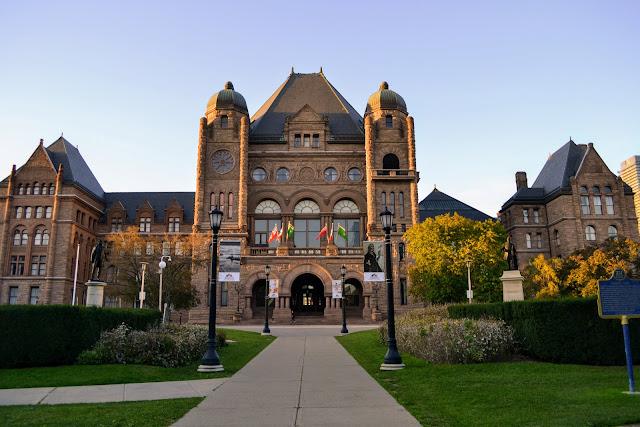 Торонтський університет. Торонто. Канада (University of Toronto. Toronto. Canada)