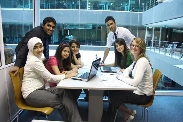 منحة دراسية مقدمة من جامعة APU للدراسة في ماليزيا