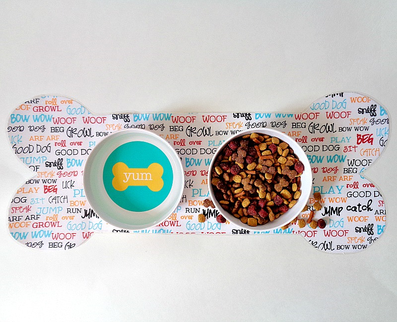 Instructions for a pet bowl mat!