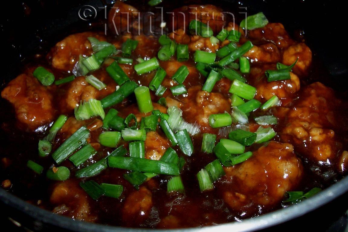 Kudpiraj's Garam Tawa: Chicken Manchurian with Gravy