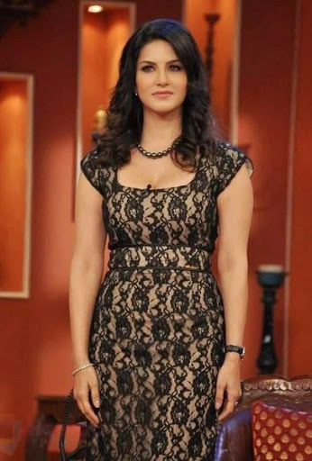 Sunny Leone Hot And Beautiful In Green Dress With Curly -8921