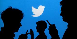 قام موقع Twitter بحظر حوالي 10000 حساب مزور