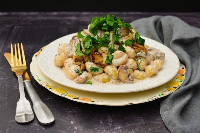 Creamy Garlic Mushroom & Herb Gnocchi