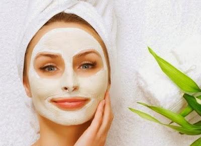 cara mengatasi kulit wajah kering dengan masker alami