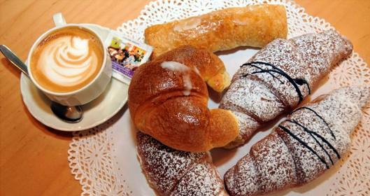 Che la vita continua caff buongiorno immagini for Buongiorno con colazione