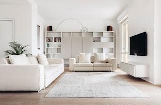 Sala moderna y blanca