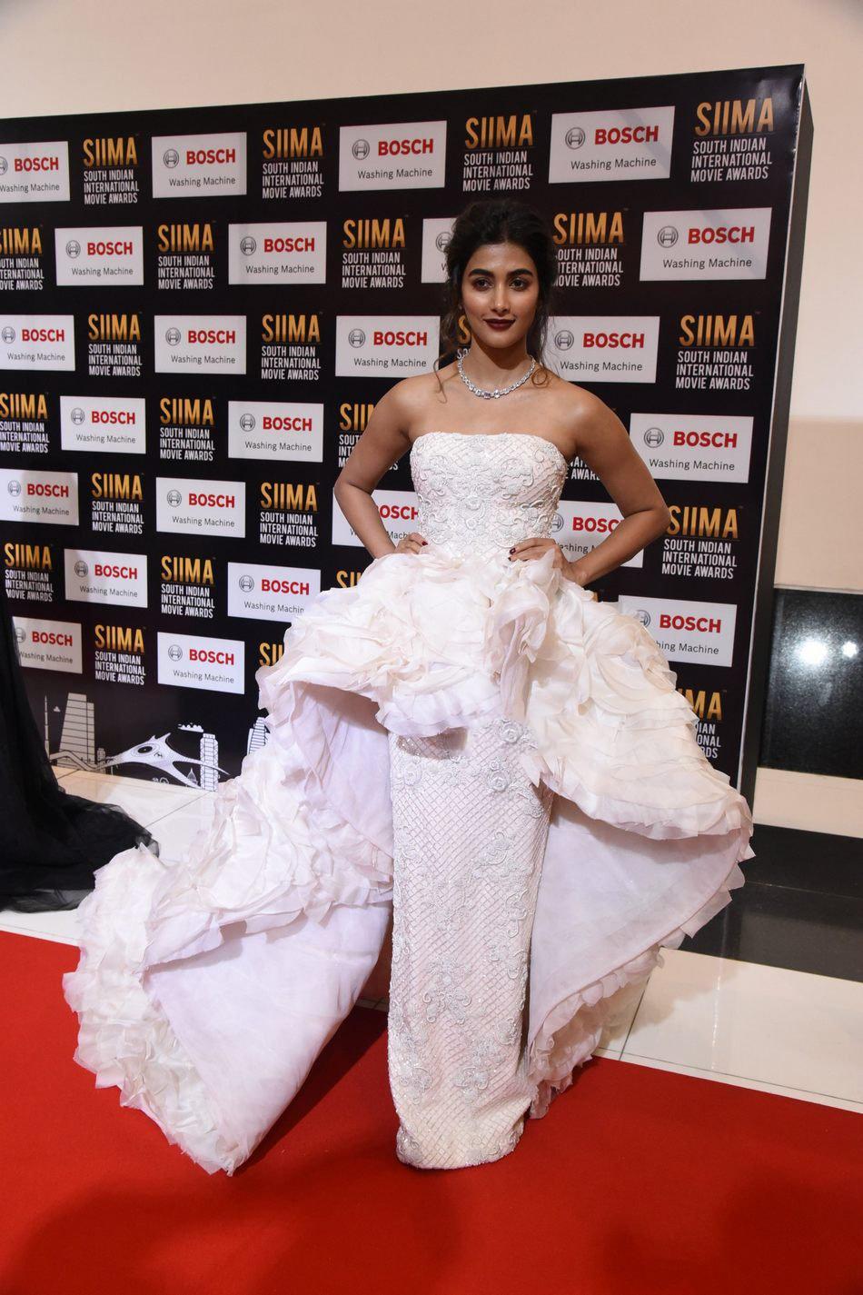 Pooja Hegde at SIIMA Awards 2017 Stunning Stills