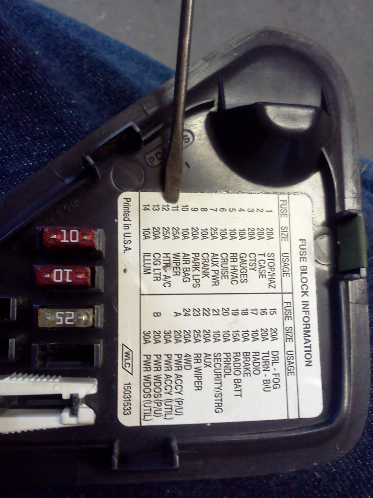 Timthetech 2000 Chevrolet C3500 57 Wipers And Ac Inoperative Melted Fuse Box Now That I Knew There Was No Power To These Two Fuses It Time Find Out What Their Source Again Consulting The Wiring Diagram