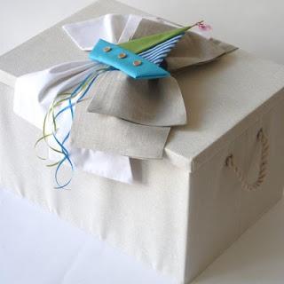 υφασμάτινο κουτί βάπτισης με καραβάκι για αγόρι