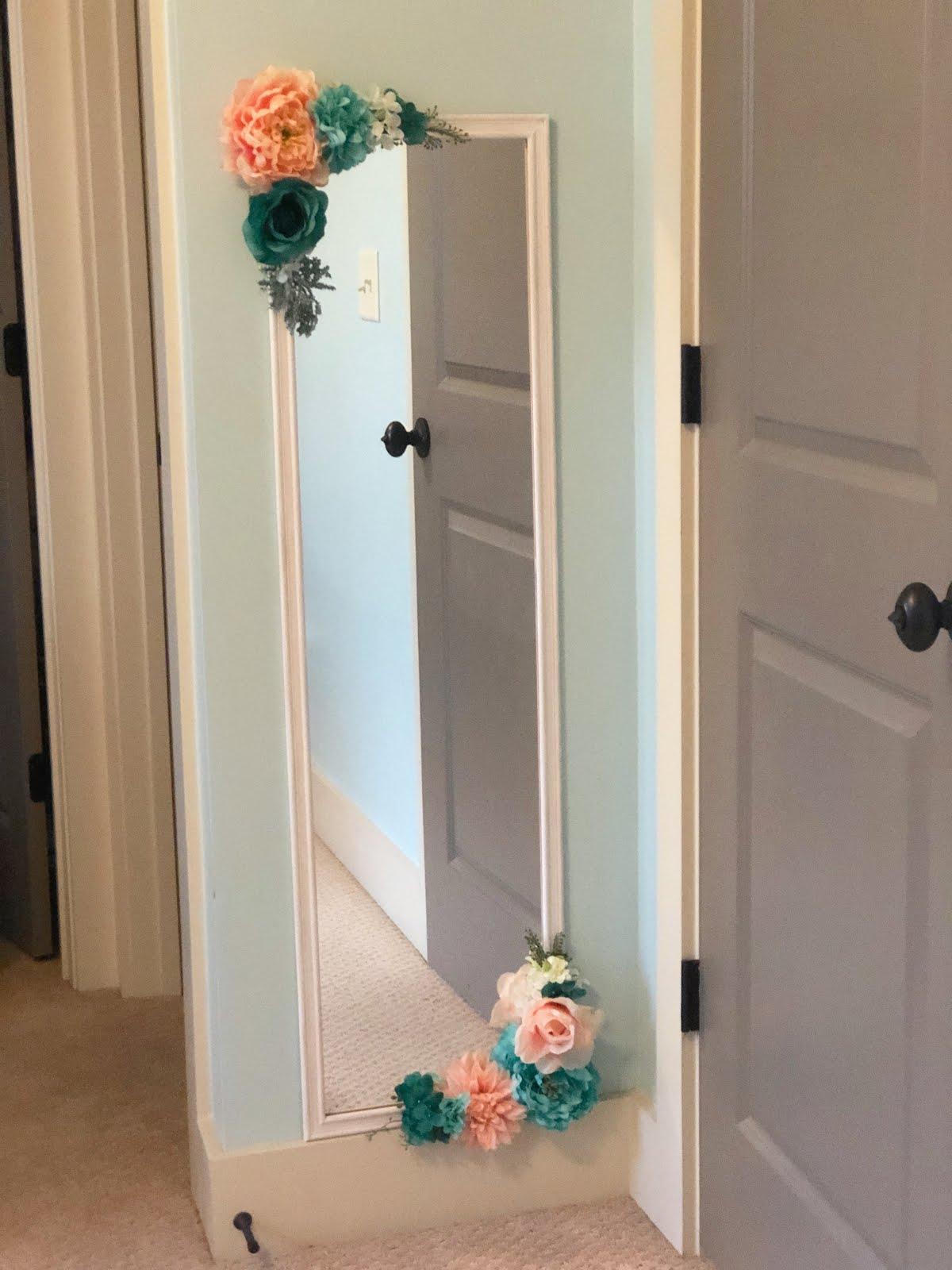 Magnolia Mamas : Girls Bedroom Makeovers + DIY Flower Mirror