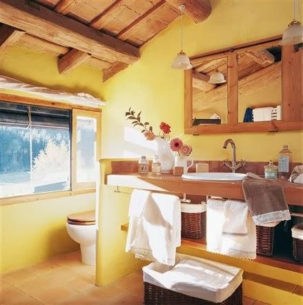 Baño colores amarillo marrón