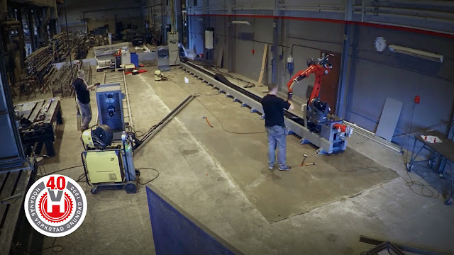 Монтаж роботизированного сварочного комплекса