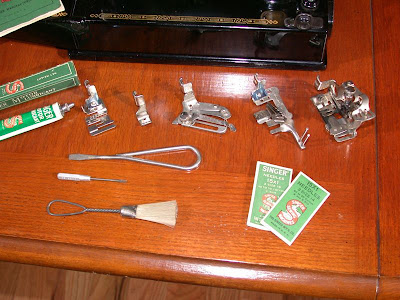Singer 221 Featherweight Sewing Machine Attachments