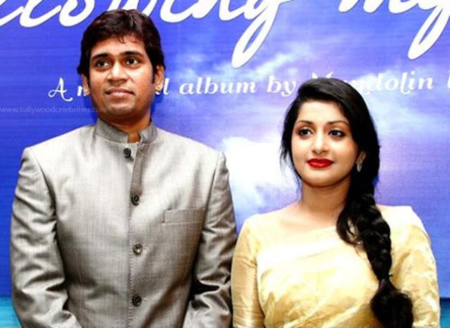 Meera Jasmine Seeks The Court For Divorce