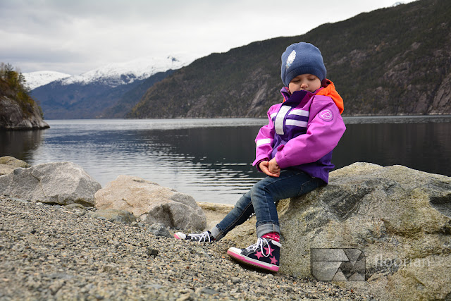 Rodzinne podróże z dziećmi. Hania, Wiki i Franek na tropie przygody. Co zobaczyć w Rogaland z dziećmi? Wodospad Langfossen