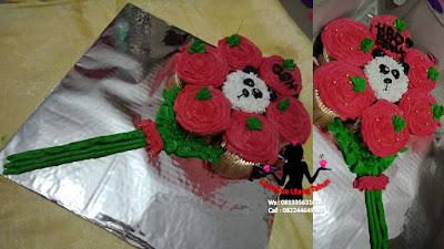 Cupcake buket mawar merah pemberian yang berkesan buat kekasih
