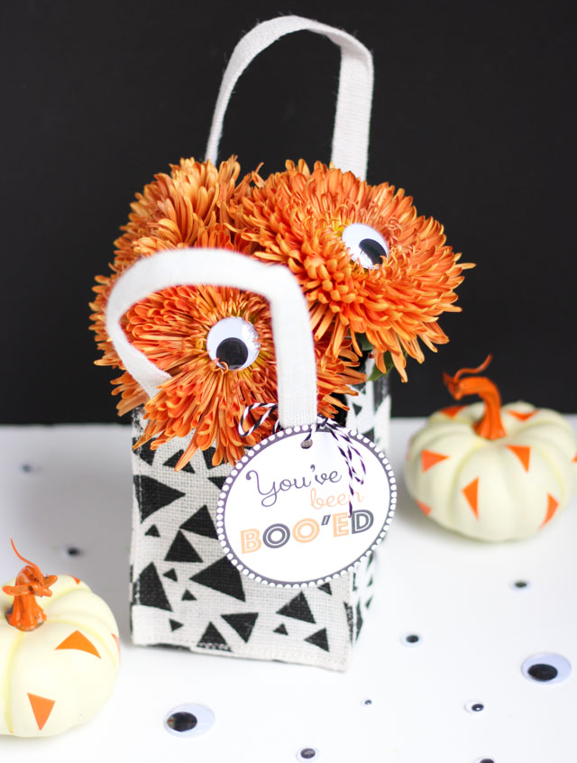 "A googly eye Halloween bouquet - a fun way to say ""You've Been Boo'ed!"""