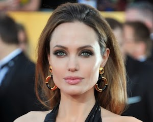 Angelina Jolie will create a fund to fight cancer