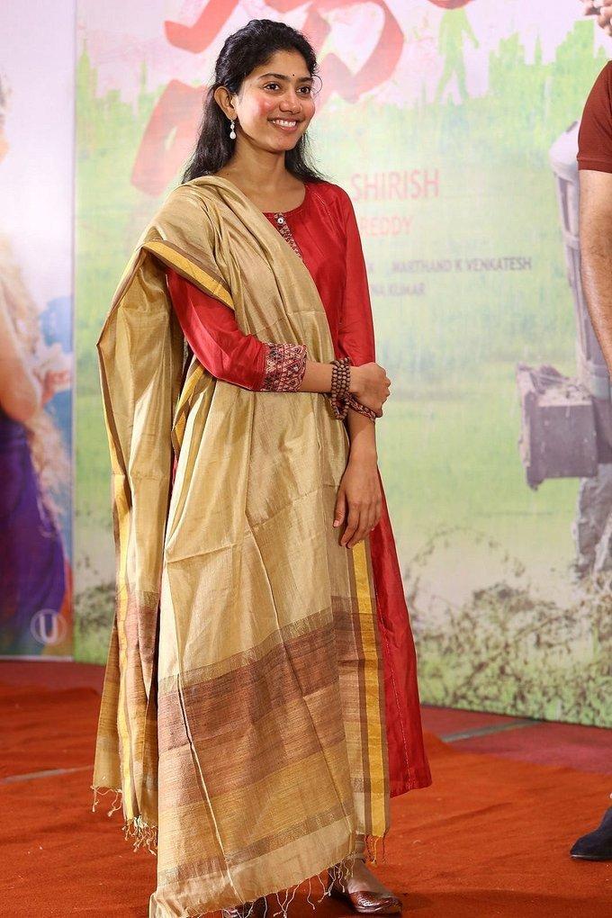 Sai Pallavi at Fidaa Movie 50 Days Sambaralu Event Photos