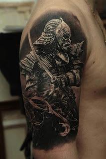 tato samurai di tangan