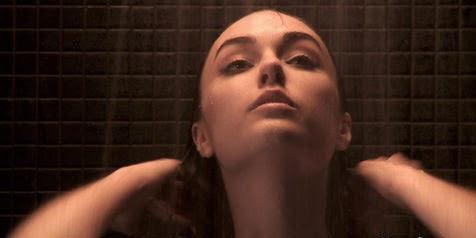 Sash Grey - POCONG MANDI GOYANG PINGGUL - Adegan-Adegan Vulgar Dalam Film Horor Indonesia