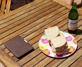 Kindle, tasty butties and a beer for lunch