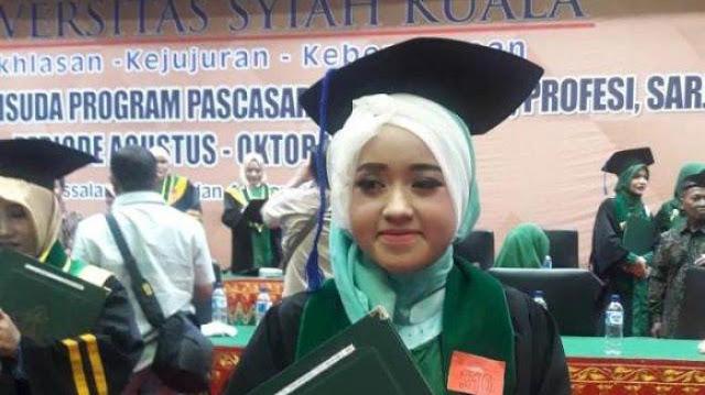 mahasiswi tunanetra lhokseumawe lulus cum laude di universitas