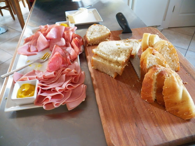 No knead bread with cold cuts