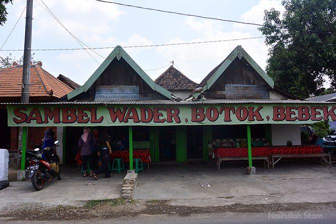 Warung Sambel Wader dan Botok Cak Mat Mojokerto