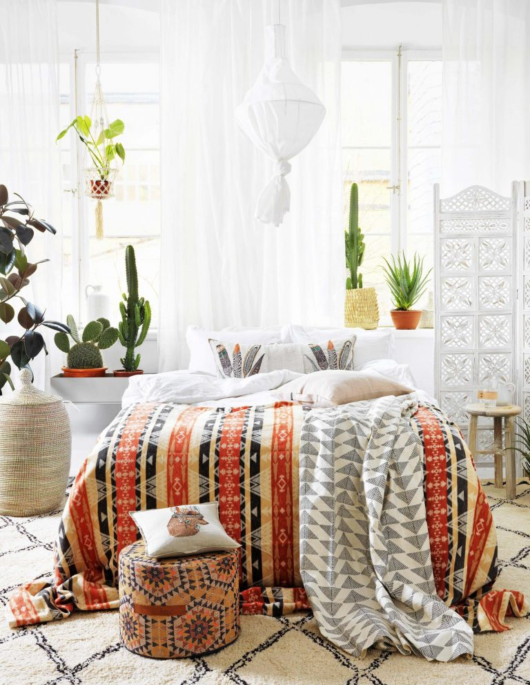 Check Out This Scandi/Native American/Boho Home Décor Mashup ...