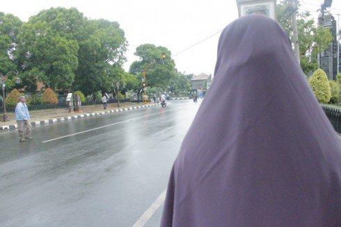 Pakai Jilbab Besar Dibilang Aliran Apa, Terus Kalau Nggak Pakai Jilbab Situ Islam Apa?