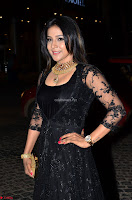Sakshi Agarwal looks stunning in all black gown at 64th Jio Filmfare Awards South ~  Exclusive 031.JPG