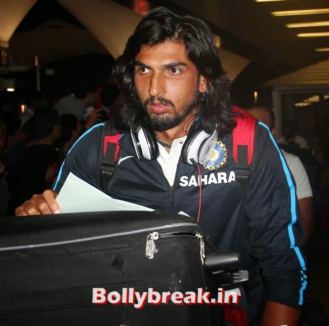 Ishant Sharma, Indian Cricket Team Return from South Africa at Mumbai Airport
