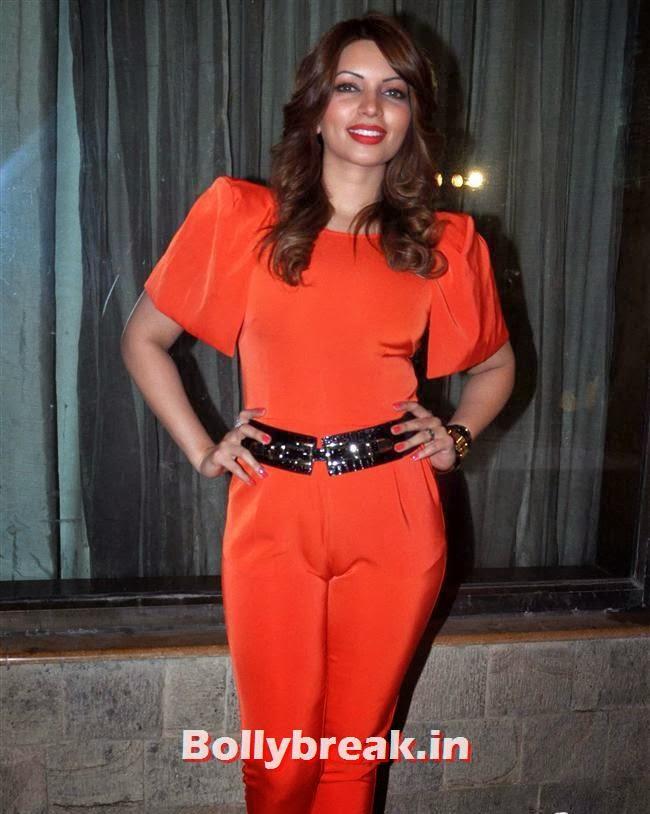 Shama Sikander, Reyhna Malhotra at 'Babloo Happy Hai' Audio Launch