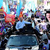 El presidente Danilo Medina recorre Villa Altagracia, Bonao y La Venga en su campaña proselitista