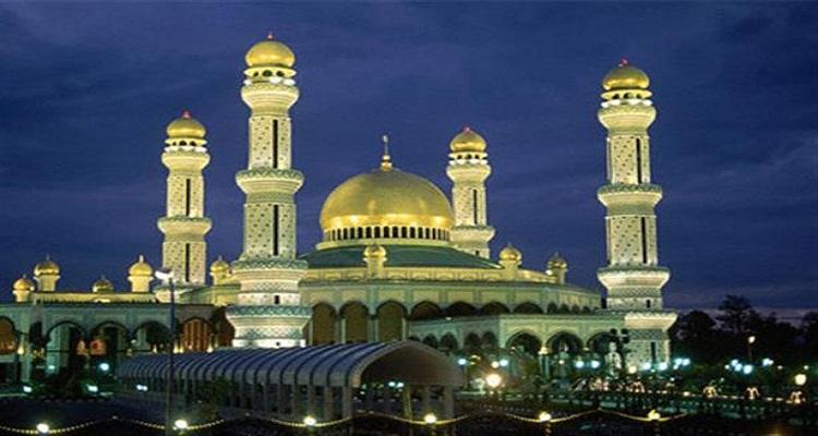 لماذا رفعت المساجد في اسطنبول الآذان للصلاة قبل صلاة الفجر بـ 3 ساعات