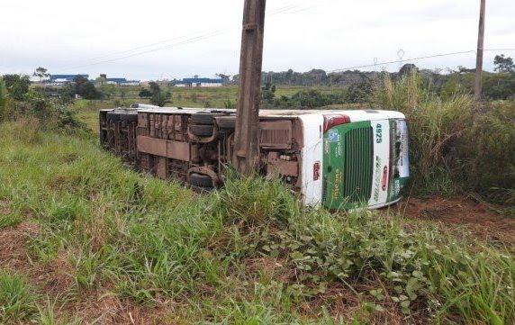 Criança morre em acidente envolvendo ônibus na BR 364