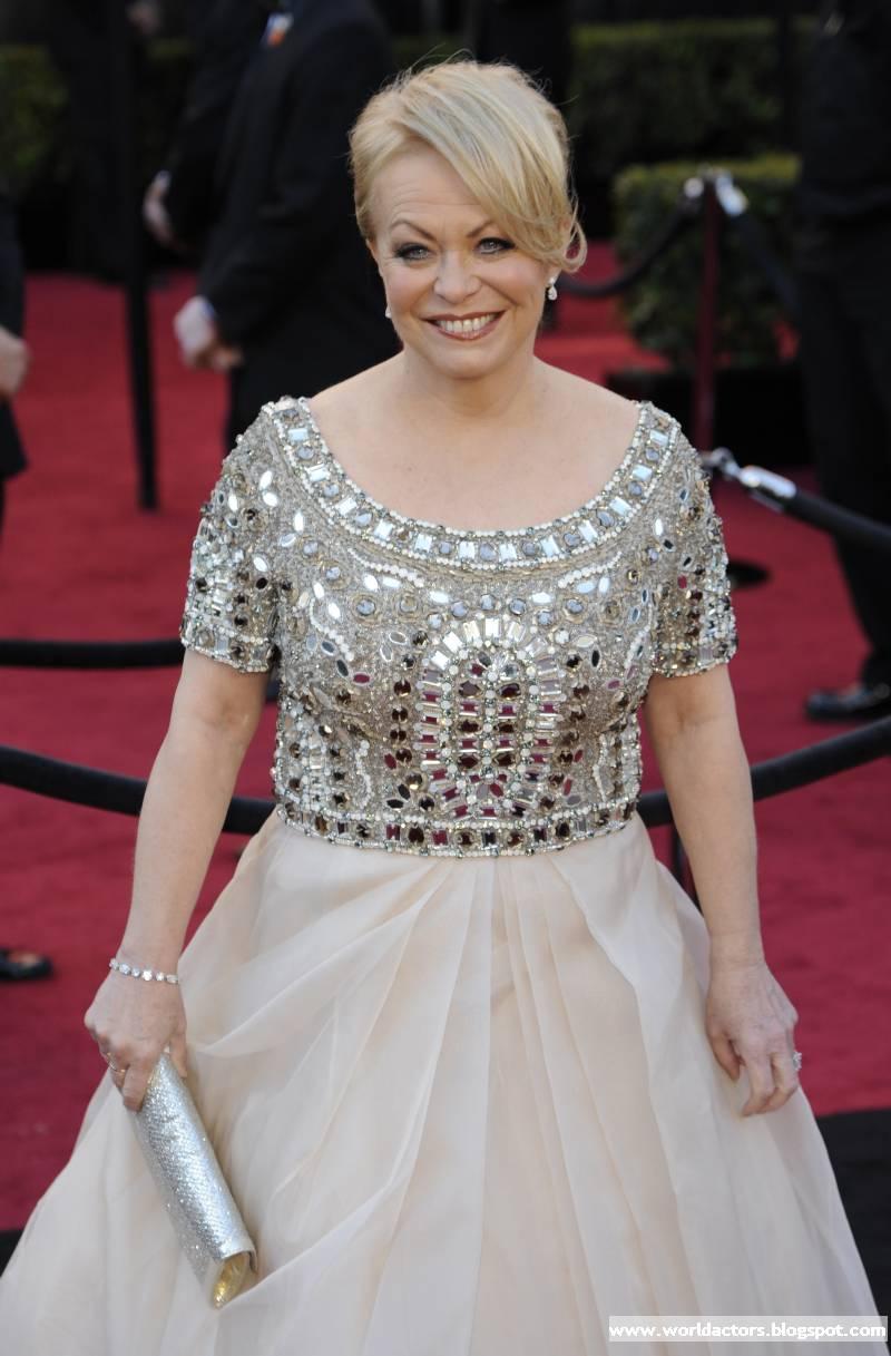 Australian Actress Jacki Weaver Cute picture Gallery ...