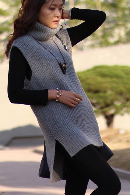 пятая точка, теплый свитер-туника, теплая кофта, теплая водолазка, жилетка, универсальная и комфонтрая вещь, ботинки дикер, осень-зима, must have, необходимая вещь, Южная-Корея, блоггер, фешнблоггер, fashion blogger, South Korea, Seoul, стиль, удобство, мягкий и удобный свитер, аксессуары, стиль жизни, fashion is my life, zoyaslookbook