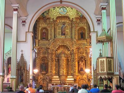 Altar Iglesia San José, Casco viejo, Panamá, round the world, La vuelta al mundo de Asun y Ricardo, mundoporlibre.com
