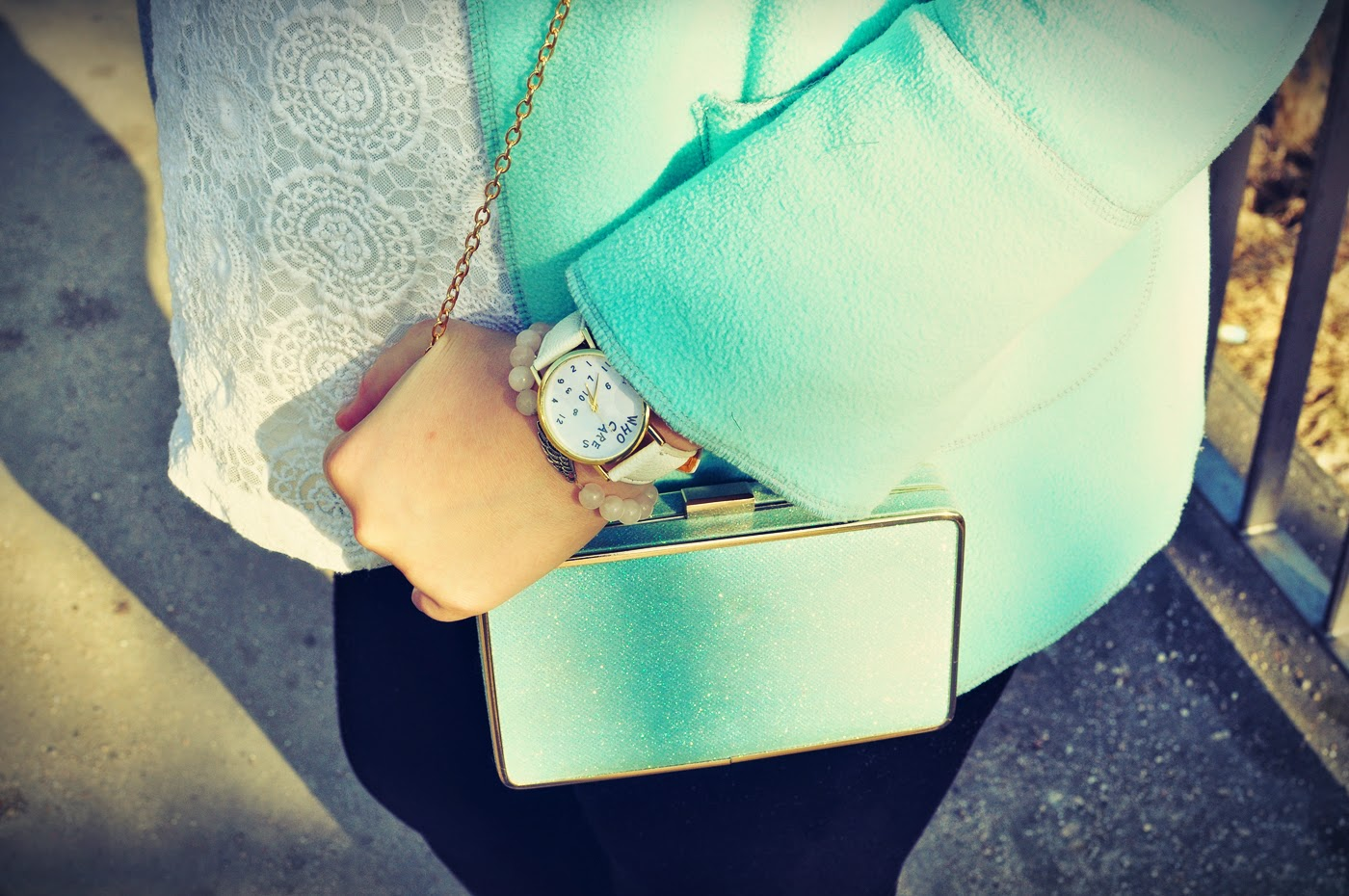 fajny-zegarek_biały