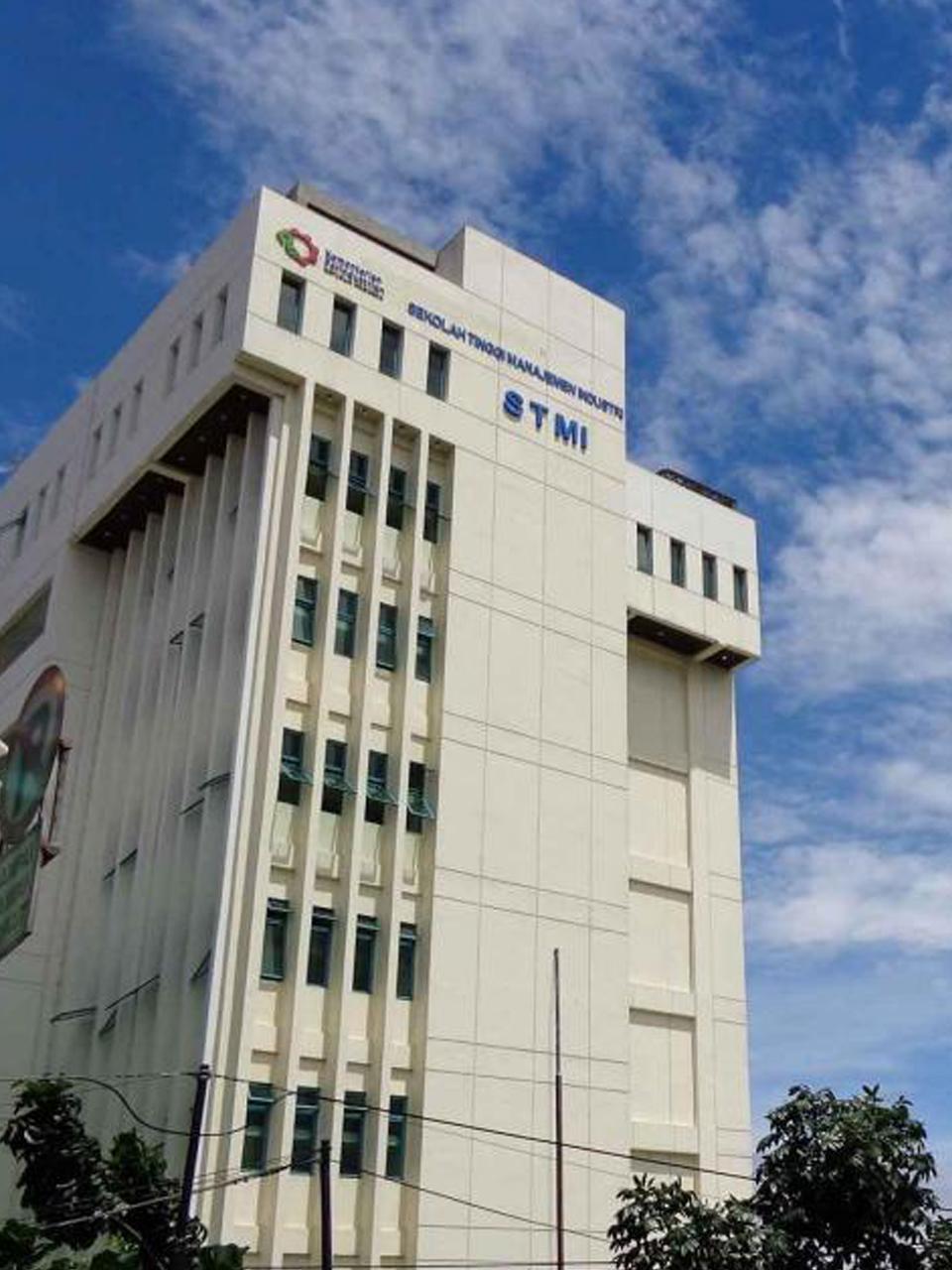 Pengerjaan Epoxy STMI Jakarta
