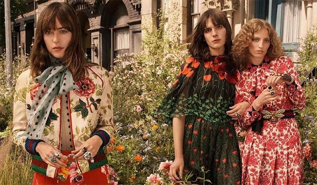 Tres moelos entre flores en el anuncio de Gucci Bloom