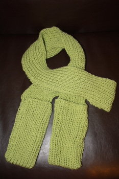 Knitting Pattern For Pocket Scarf : Pocket Scarf and Fingerless Gloves: Free Knitting Pattern