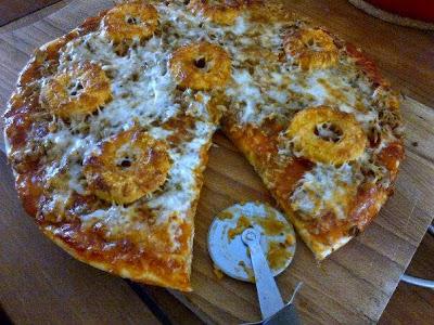 resepi pizza tuna tuna pizza recipe tuna red onion pizza make tuna pizza pizza tuna recept tuna and tomato pizza tuna pizza topping tuna onion pizza recipe