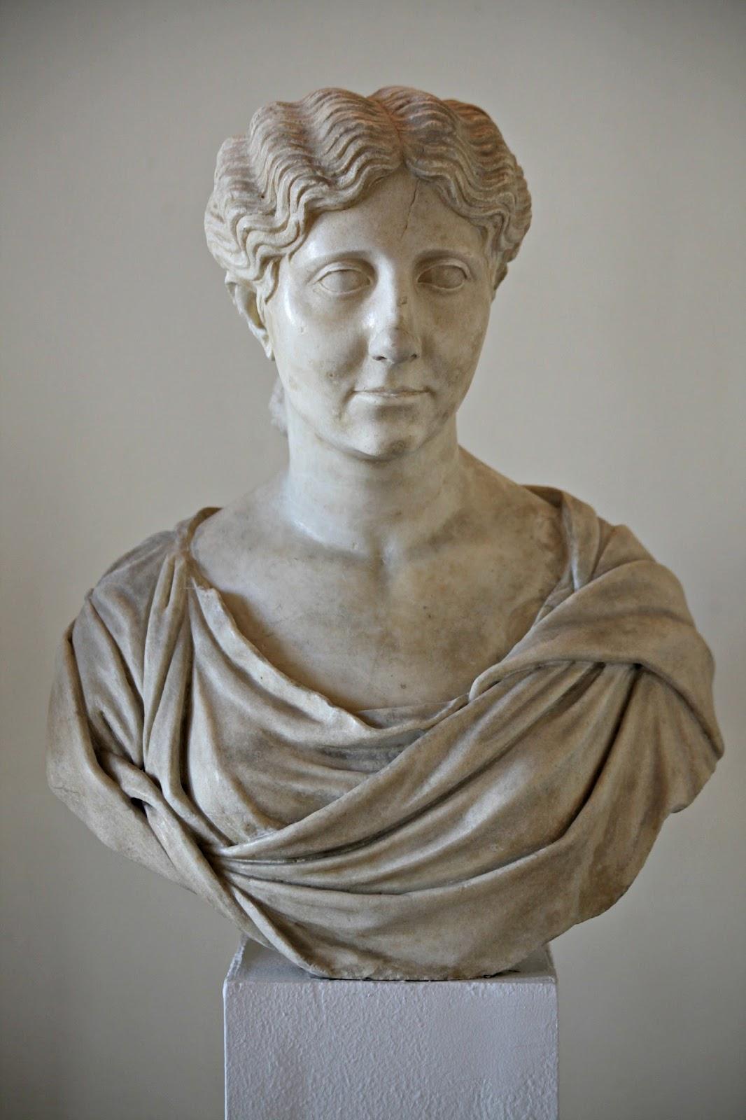 Augusto: Calígula y su abuela Antonia la Menor