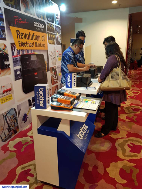Suasana di Booth Peluncuran Printer Tubing Brother