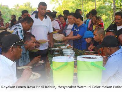 Rayakan Panen Raya Hasil Kebun, Masyarakat Watmuri Gelar Makan Patita
